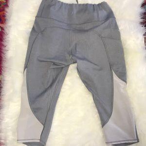 COPY - Athleta grey capris size S